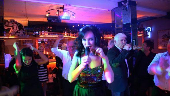Saengerin und DJ video korporativ firrmenfeier russisch deutsch party